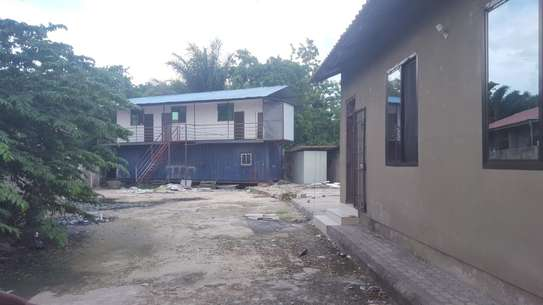 2 bed room house for rent at mikochen industrial area image 3