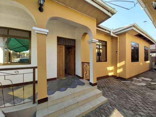 6 bedroom house for rent suitable for OFFICE image 6