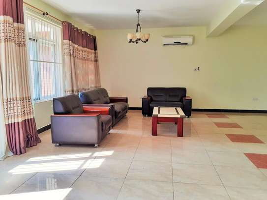 Specious 4 Bedrooms Townhouse With Sea View image 4