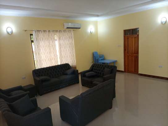 Stand alone 3 bdrm for rent at MASAKI image 3