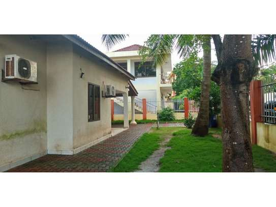 beach house 3 bed room for rent $800pmat kawe image 5