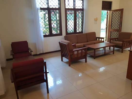 4 Bedrooms House With A Large Guest Wing For Rent in Masaki image 7