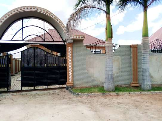 4 BEDROOMS HOUSE FOR RENT IN IPAGALA- DODOMA image 4