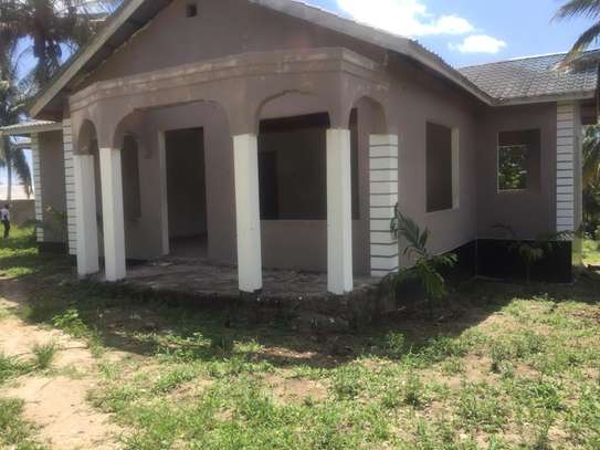 3 bed room big house for sale stand alone   at goba kulangwa image 5