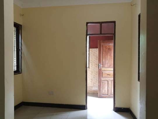2 bedrooms apartment at kinondoni leaders image 10