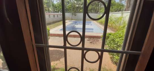 3 Bedrooms House With A Pool In Masaki For Rent image 7