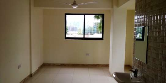 SPECIOUS 3 BEDROOMS SEMI FURNISHED FOR SALE AT KARIAKOO image 3