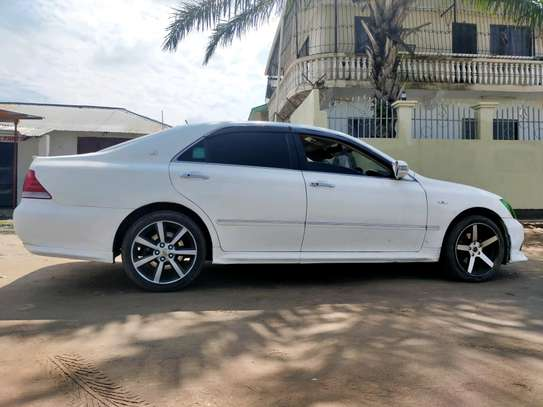 Toyota Crown Athlete Mint Condition image 4