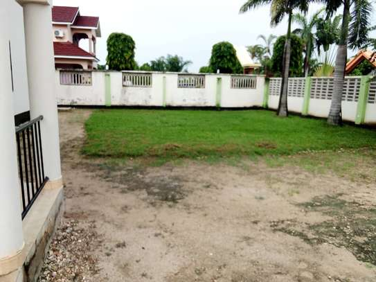 5 bed room house for sale at boko image 13