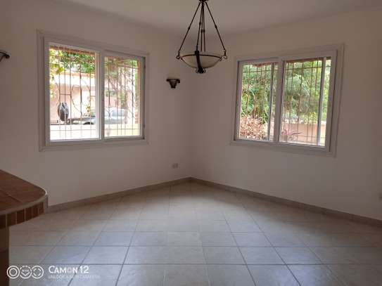 4bdrm villa house for rent in oyster bay image 14