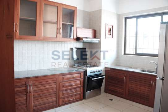3 Bedrooms Townhouse In Msasani image 2