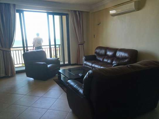 3bed house full furnished apartment at sea view upanga $2200pm image 6