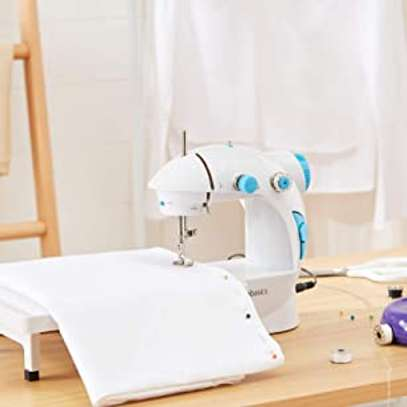 Mini Household 1 Stitch Sewing Machine with 2 Speed Function & Extension Table image 5
