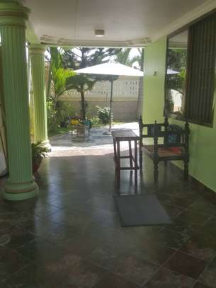 4 bedroom house full furnished ( stand alone ) for rent image 9