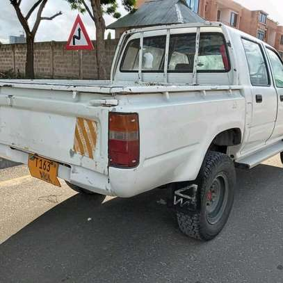 1996 Toyota Hilux image 6