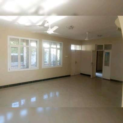 4 BEDROOM STAND ALONE HOUSE FOR SALE image 2