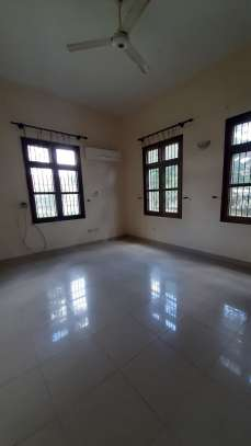 3 Bedrooms  House For Rent in Oysterbay image 8
