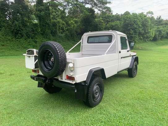 1994 Mercedes-Benz 290GD 4WD PICK UP USD 20,000/= UP TO DAR PORT TSHS 87MILLION ON THE ROAD image 3