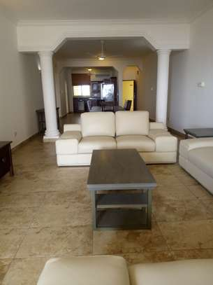 3bedroom apartments with beach view in masaki to let $2000