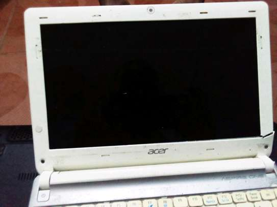 Used ACER aspire one screen image 1
