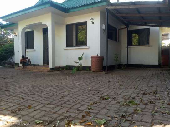 2bed house in the compound at masaki $600pm image 5