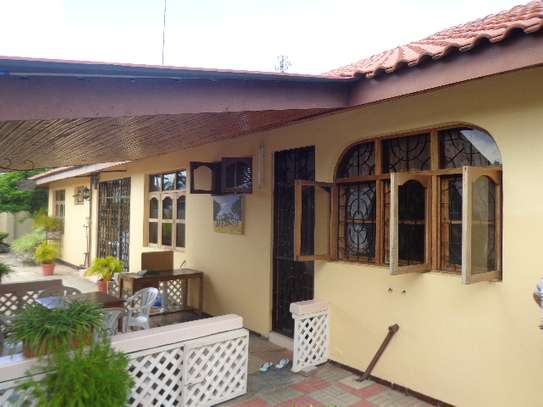 4bed furnished at mbweni beach $1300pm image 1