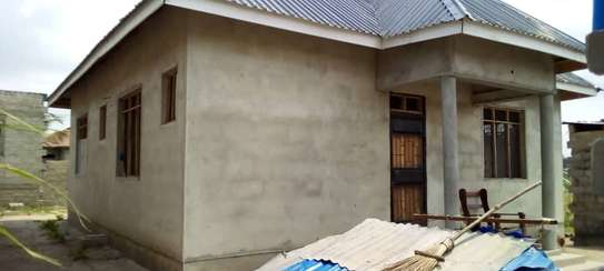 3 bed room big house for sale  at mbande near azam play ground image 2