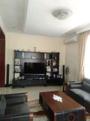 3 Bdrm House for rent Full Furnished. image 5