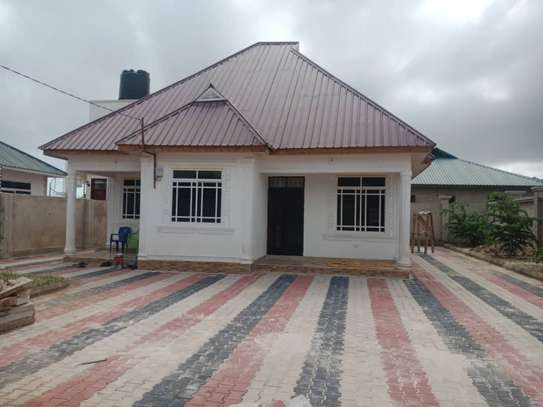2 bed room all ensuite house for rent at mbweni image 1