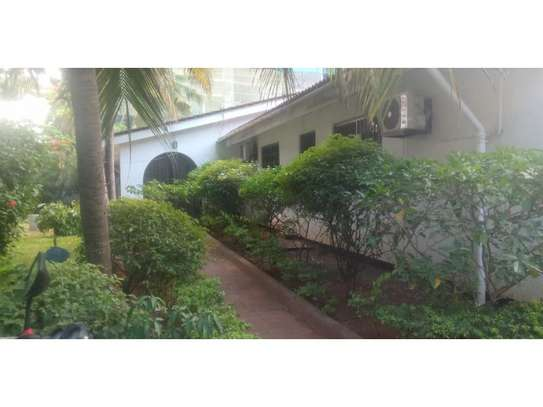 4 bed room house with gest wing and stand by generator for rent at masaki image 4