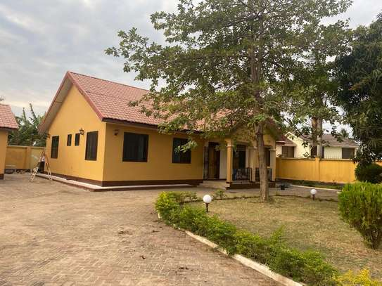4 bed room house for rent at mbezi beach oaas club image 6