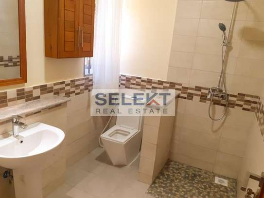 Specious 4 Bedroom Apartment In Oyster Bay image 6