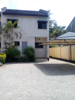 3 bed room house for rent at masaki image 8