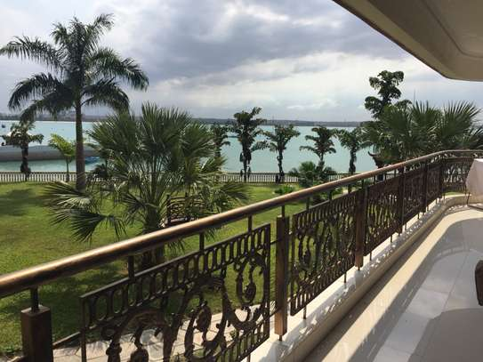 Modern 3 Bdrm Apartment in Masaki with Sea view image 1