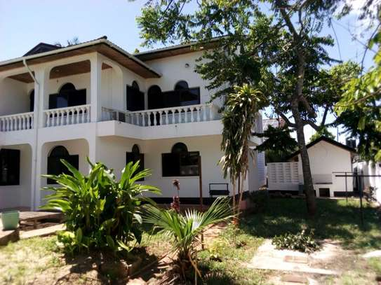 5bed house at mikocheni $2500pm image 14