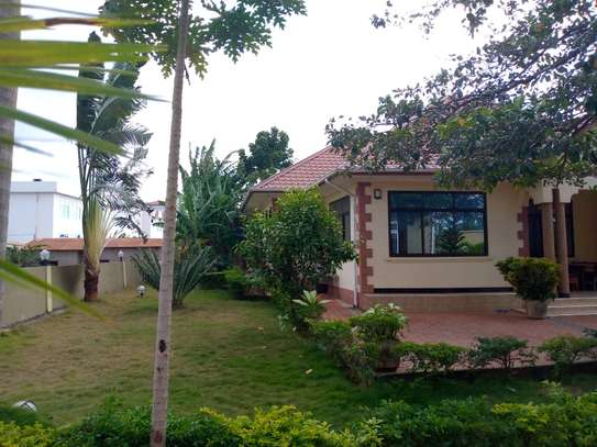 4 bed room all ensuite house for rent at salasala image 4