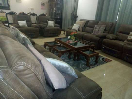 4bed room house  fully furnished at mbezi beah tank bovu $2500pm image 7