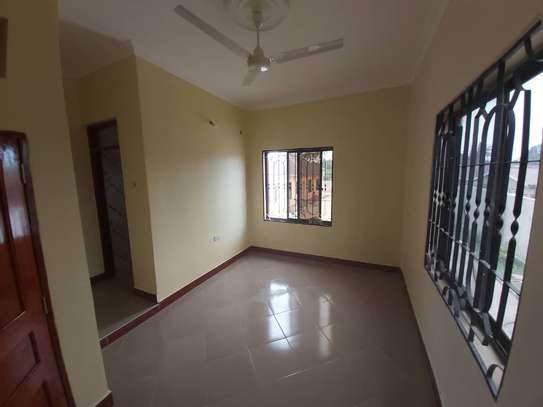 6 bedroom house for rent suitable for OFFICE image 4