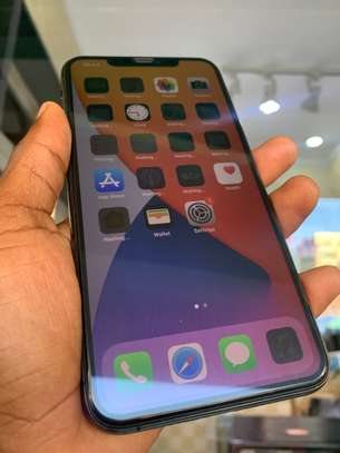 iPhone 11 Pro Max 256GB Spacegray for sale image 5