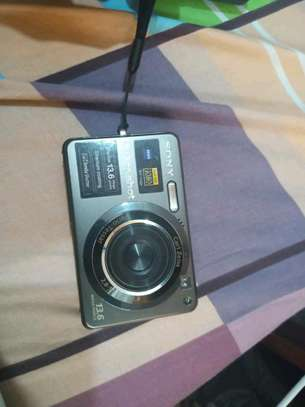 Nauza Sony digital camera bei 270,000 tu