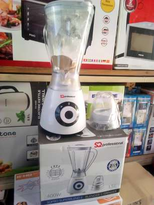 PROFESSIONAL BLEANDER MADE IN UK 1.5 LITRE.... 155,000/=