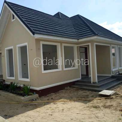 4 BDRM HOUSE AT BAHARI BEACH image 8