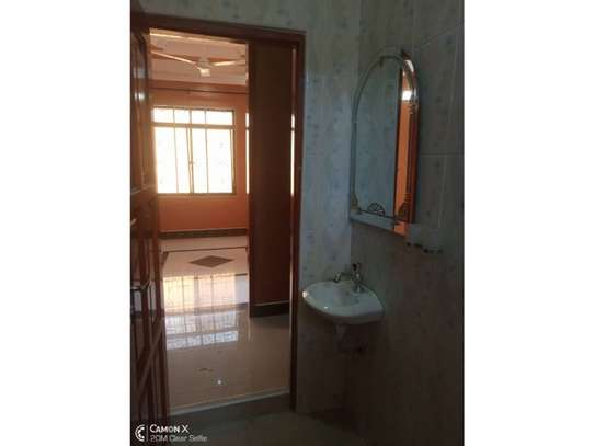 house for rent at kinondoni 800000 image 5