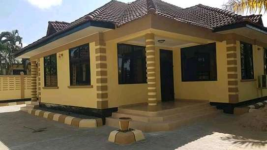 4 Bedrooms House in Mbezi Beach Afrikana with sarvernt counter.