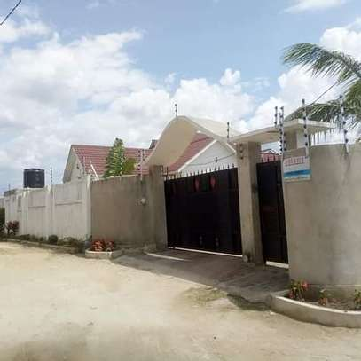 3 bed room big house for sale  at madale image 6
