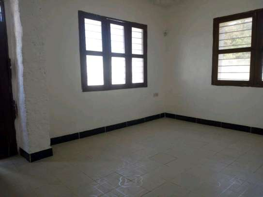 3bedroom house in kinondoni block 41 to let. image 4