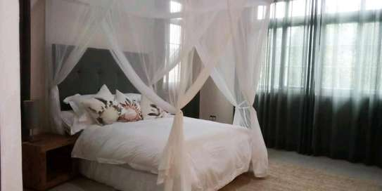 VILLAS FOR RENT AT BAHARI BEACH image 4