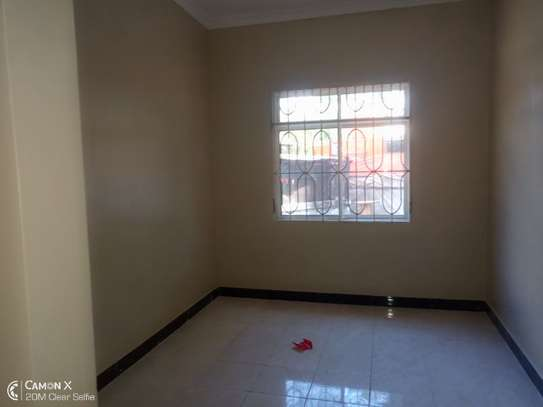 3bed  house at ada estate near leaders club tsh 1000000 image 5