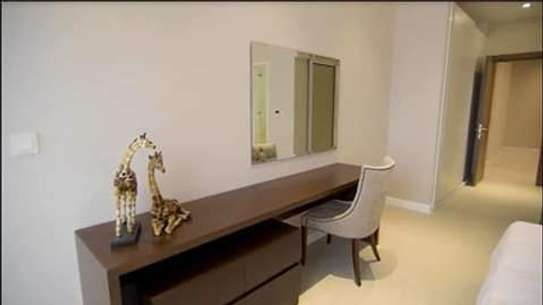 4 Bdrm Flash apartment Oysterbay image 2