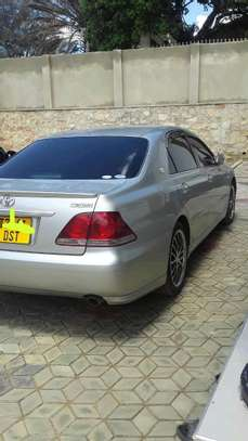 2003 Toyota Crown image 4